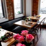 A cozy place for couples to enjoy brunch
